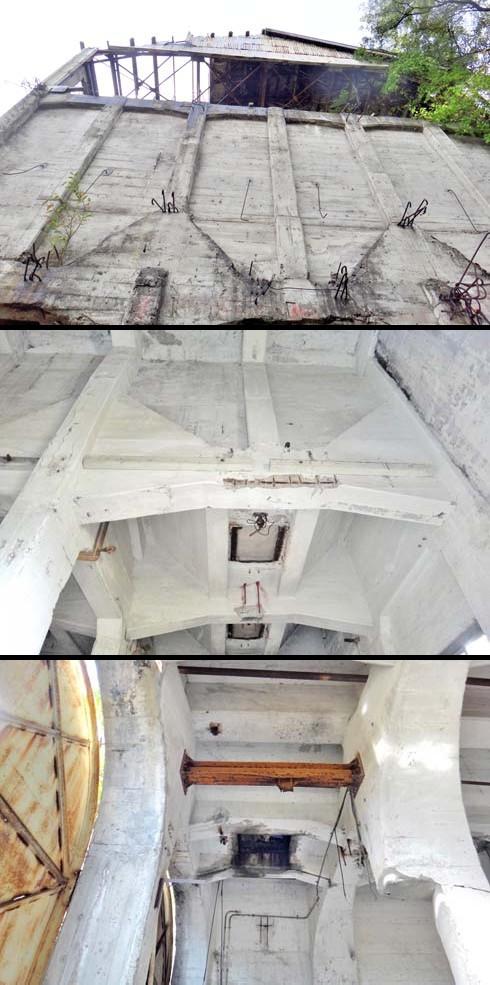 天井も、あんま煤汚れて無くて意外です。