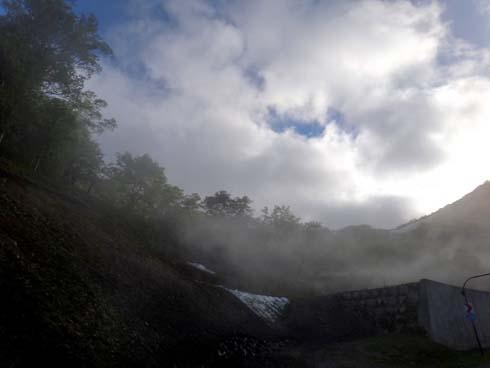 排ガスぢゃ~無くて、雲です。