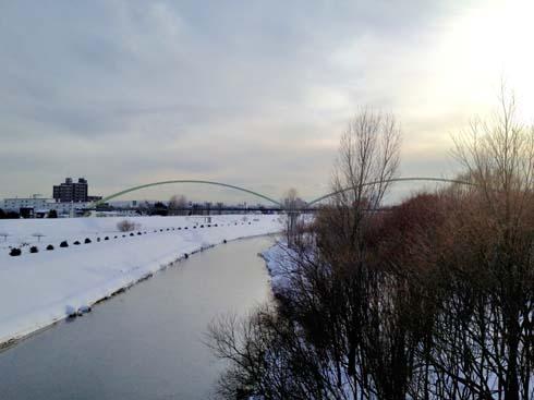 環状北大橋から南を望む。